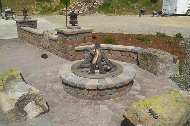fire pit stone seating